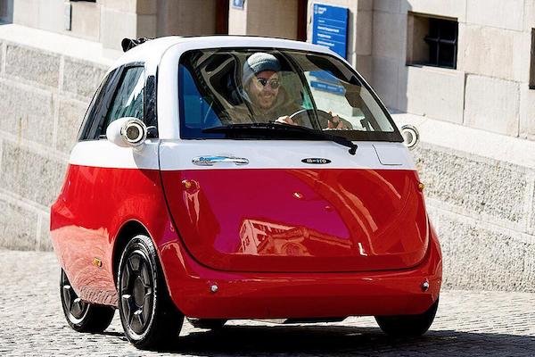 45 萬元 2 人座電動都會小車開賣!續航力達 200 公里