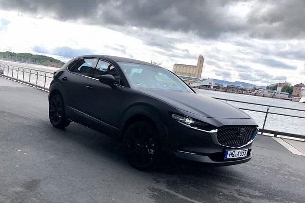 Mazda神秘休旅測試車現身 外媒曝大有玄機!