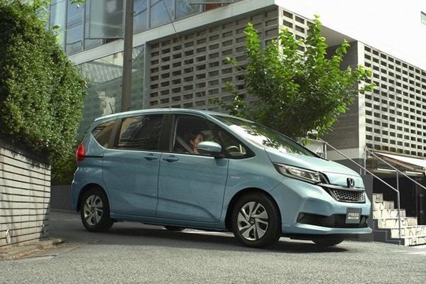 Toyota Sienta 頭號對手,Honda 推出新車 MPV 較勁!