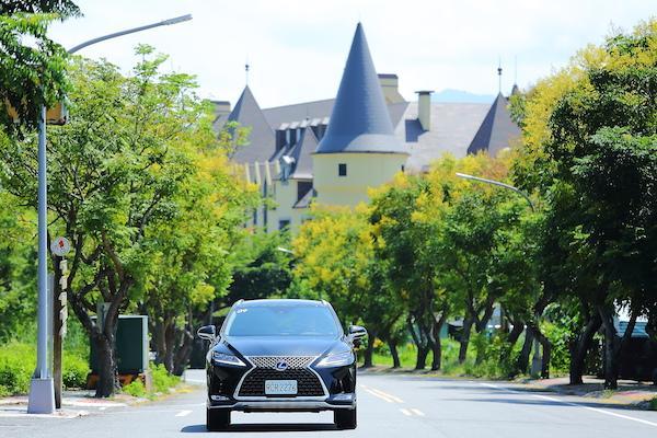 小改款賣點不只全速域定速,還有更多驚喜!Lexus RX 450h 試駕