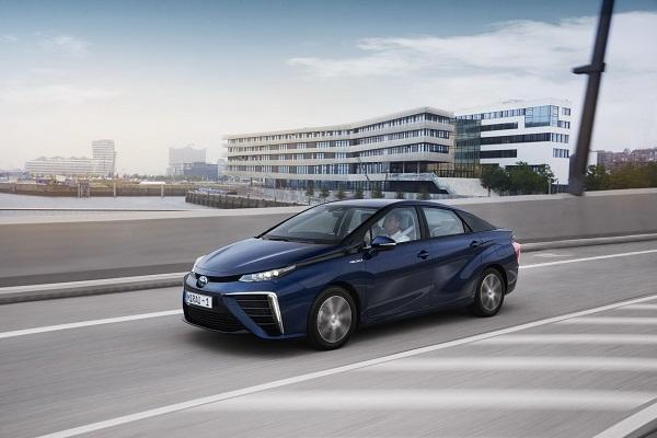 比 Camry 帥氣!Toyota 原廠證實將推氫能源第二代新車