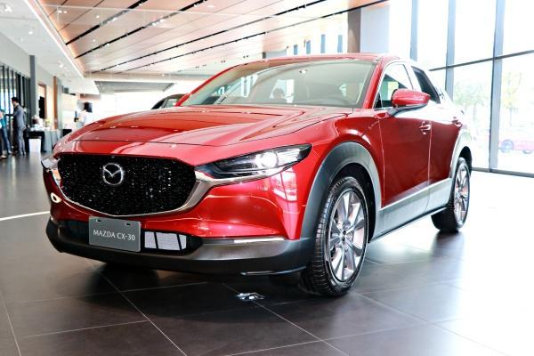 Mazda 全新跨界休旅 CX-30 現身台灣,月底正式發表!
