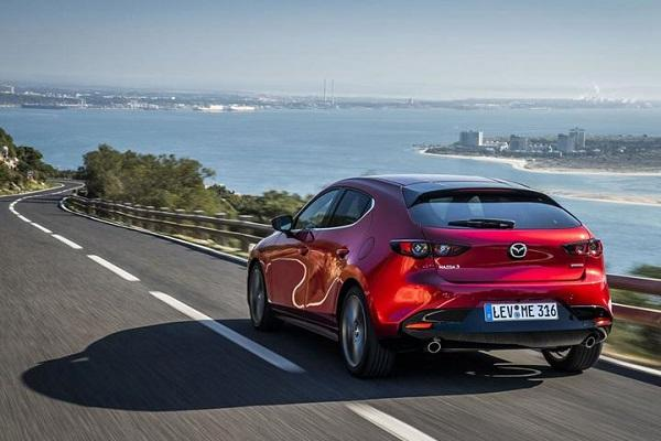 Mazda 3 Skyactiv-X 引擎有多省油?外媒實測油耗很驚人!