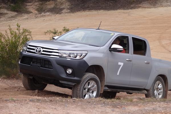 皮卡 Hilux 有望推出 Hybrid 油電車?Toyota 副總裁回應了