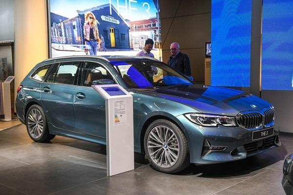 CLA、C-Class 旅行車都是對手,新 BMW 3 Touring 德國貼身近賞!