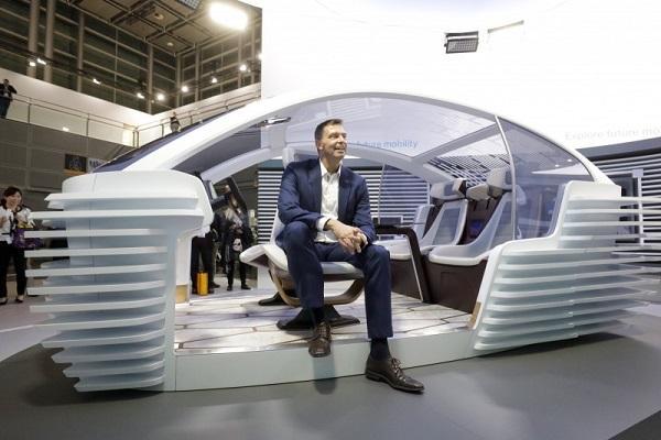 科思創未來概念車 5G天線、攝影機結合車頂導流板