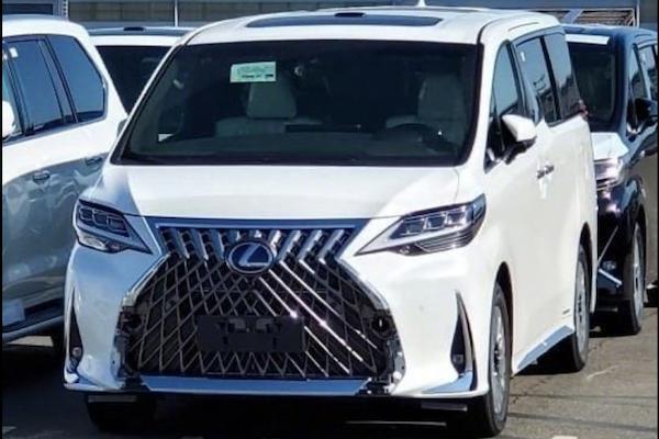 更高級的 Toyota Alphard,Lexus LM 實車照完整曝光!
