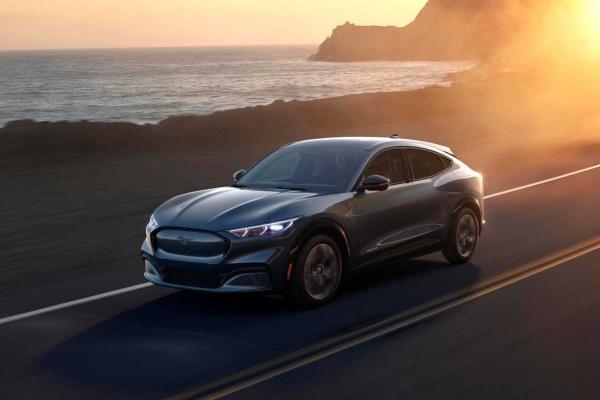 Ford 全新跨界 SUV 正式發表,0-96 km/h 加速只要 3.5 秒!