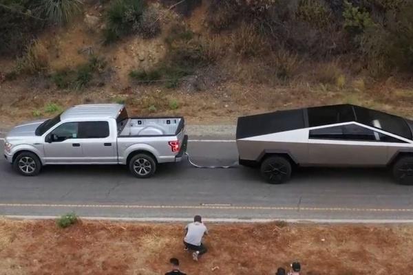 被 Tesla 皮卡擊敗,Ford 高層嗆聲:重新再比一次!(內有影片)