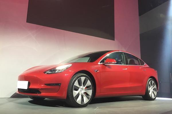比去年銷售成長近 450%!Tesla 成台灣電動車今年創新高關鍵