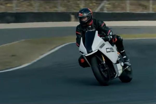 小米推極速 200km/h 電動重機,外媒質疑抄襲 Yamaha R6!(內有影片)