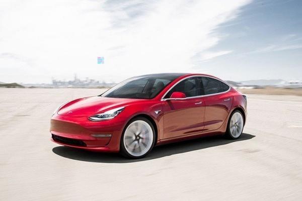 全球電動車霸主要換人了?外媒推測 Model 3 幾週內超越 Leaf!