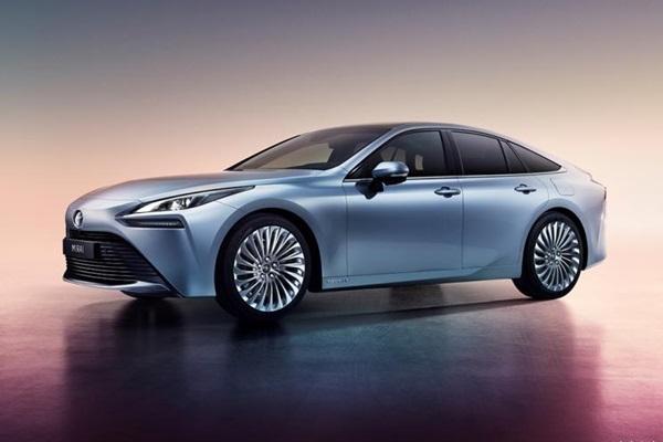 打趴一堆電動車,Toyota 發表第二代新車!