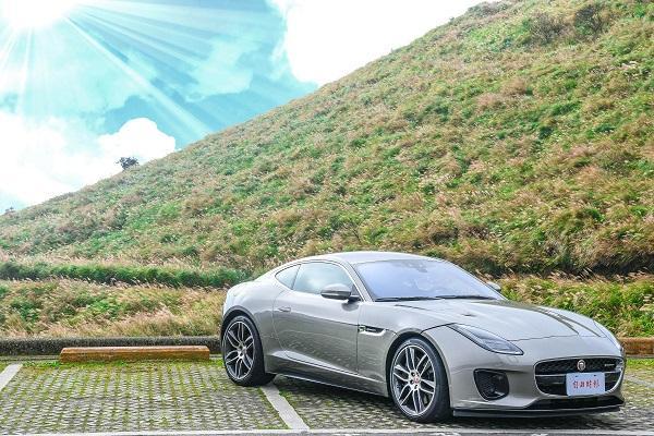 深藏不露的「豹」力美學,Jaguar F-TYPE 影音試駕!