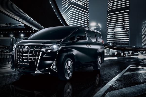 Toyota Alphard 小改款台灣準備上市,標配功能先預測!