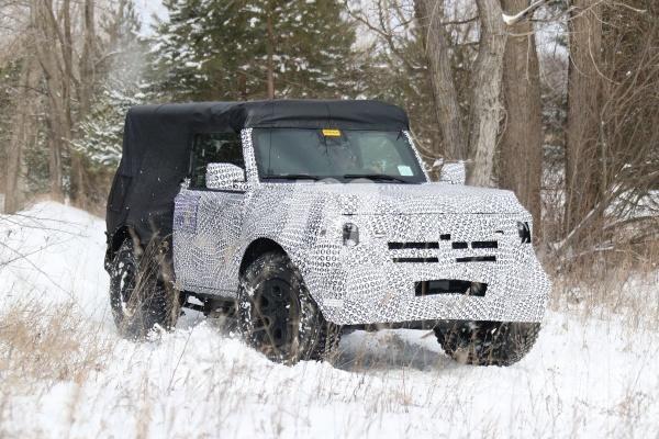 Ford 全新越野 SUV 雙門版本首次現身,預計 4 月首次亮相!