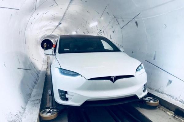 Elon Musk 無聊公司正式打通第一條隧道,15 分鐘車程縮短到 1 分鐘!