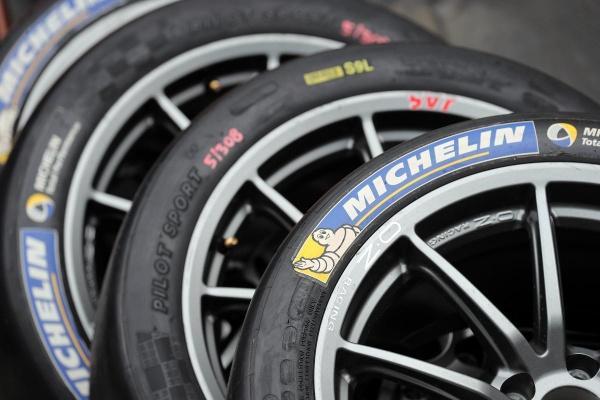 消費者報告公布 10 大輪胎品牌排行!前 3 名有 2 家來自同集團