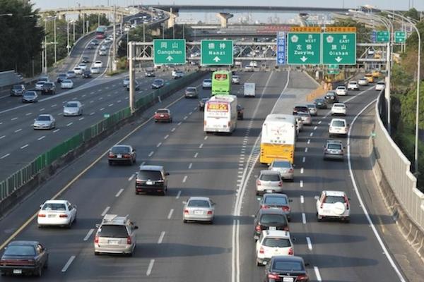 3 月多項交通新制將上路:國道新增高解析度攝影機、酒駕累犯裝酒精鎖!