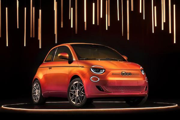 飛雅特與時尚品牌推聯名電動車,內裝奢華程度讓人意想不到!