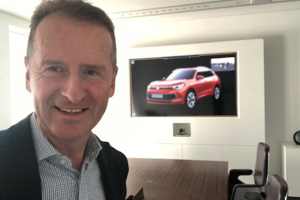VW 執行長放自拍照上社群網站,疑似讓 Tiguan 小改款故意曝光!