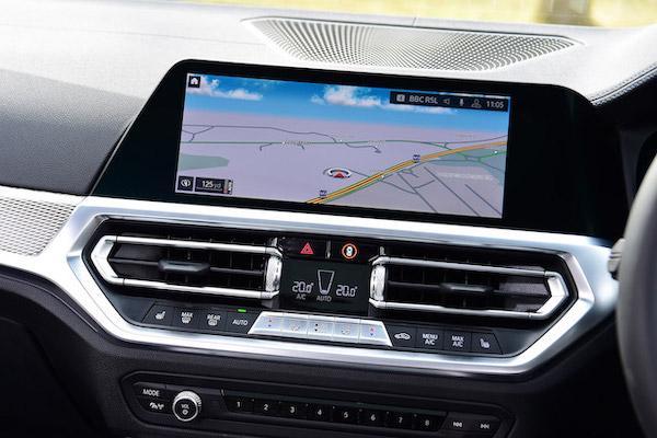 觸碰螢幕容易分心?外媒評測車載系統設計最佳車款 Top10