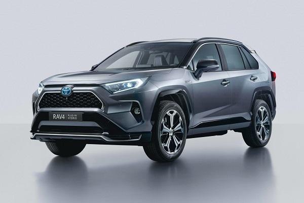 比油電貴了 11 萬日圓,Toyota 最省油 RAV4 登場倒數!