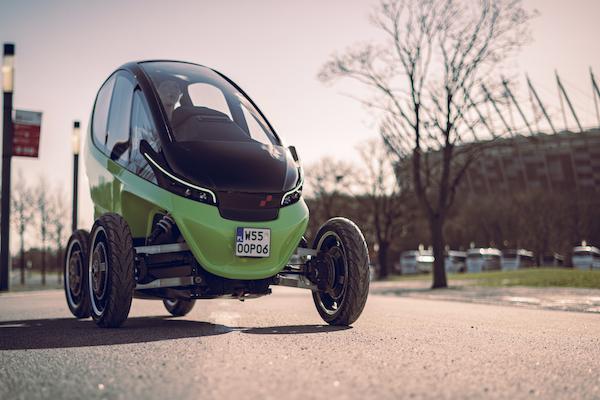 最新電動小車有伸縮式車輪!市區停車超車方便性媲美機車