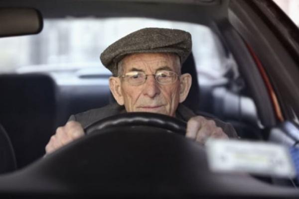 北市一至四月高齡駕駛肇事人數 比去年同期增加