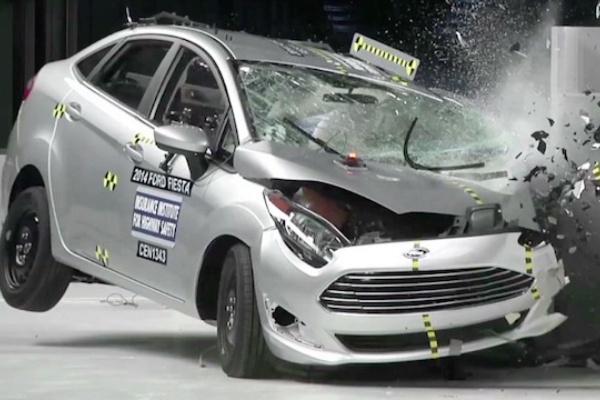 《IIHS》平均百萬輛死亡率調查:最高都是小型車,大型 SUV 最低!