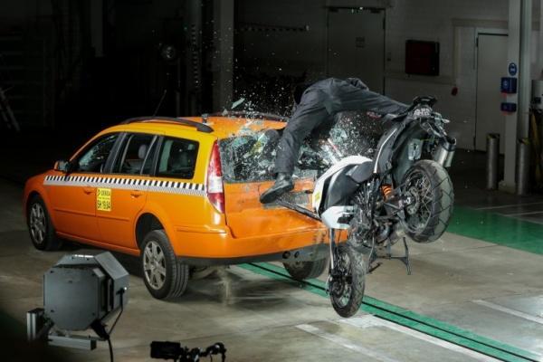 把握關鍵時間,首款機車騎士緊急救援系統推出!(內有影片)