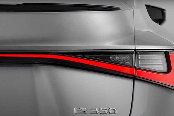動力編成曝光,改款新 Lexus IS 預告本月登場!