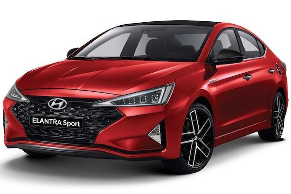 國產房車 Hyundai Elantra 傳棄守渦輪引擎,以油電動力對抗 Altis Hybrid?