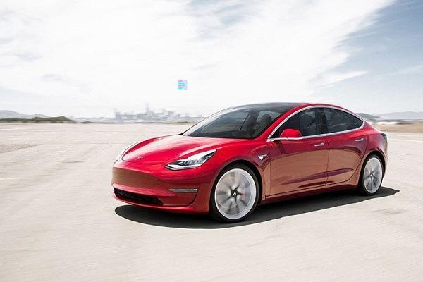 不受控制、突然急加速!美 Tesla Model 3 被多位車主投訴