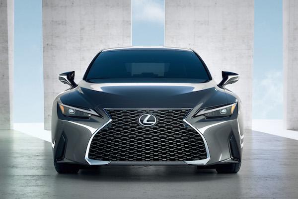 台灣六期排放標準更嚴格!Lexus IS 小改款只會導入油電車