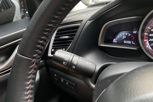 你可能沒看車主手冊,兩段式方向燈該怎麼用才不會被開罰?