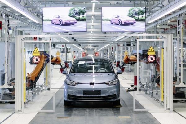 福斯汽車砸 22 億歐元 兩大廠區轉型為電動車工廠