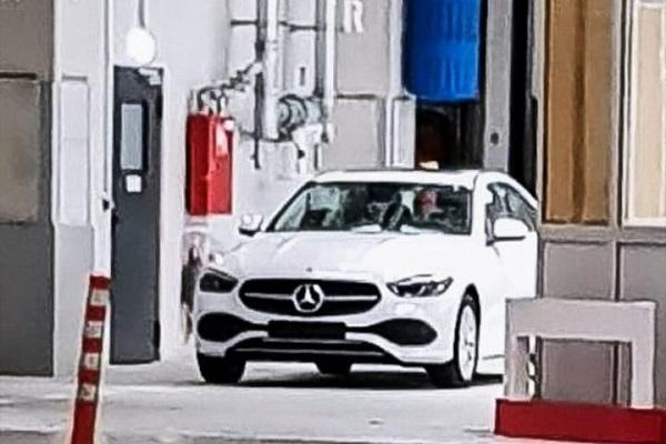 初見真面目!新一代 M.Benz C-Class 登場在即