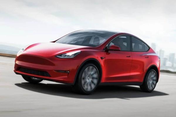 Tesla Model Y 休旅 7 人座將量產,執行長透露今年底交車!