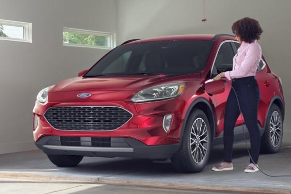 有起火重大安全疑慮,美規 Ford Kuga PHEV 延後量產!