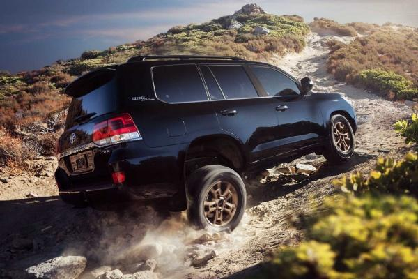 Toyota 新一代七人座 SUV 將有 GR 車型,搭載 V8 雙渦輪引擎!