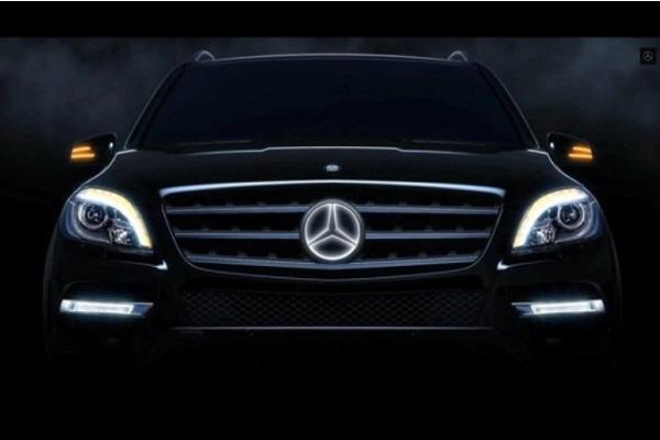 都是「發光」惹的禍,美 M.Benz 召修上萬輛休旅!