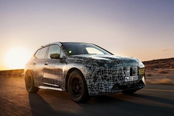 全新休旅對抗三芒星,BMW 預告下週見真章!