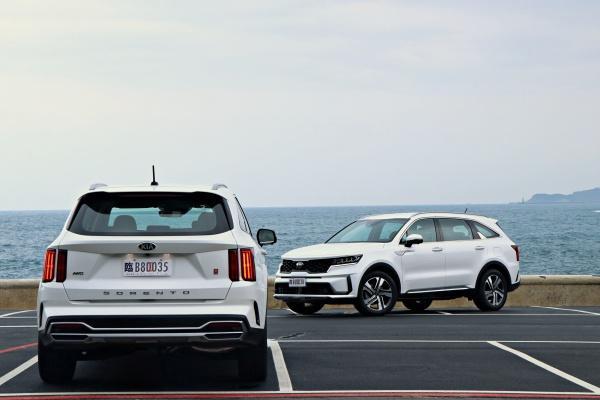 遮住 Logo 還以為是豪華 SUV,Kia 新一代 Sorento 旗艦試駕報告!