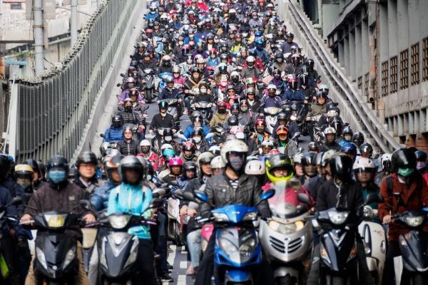 台灣 11 月機車銷售破 10 萬輛,今年有望挑戰百萬大關!