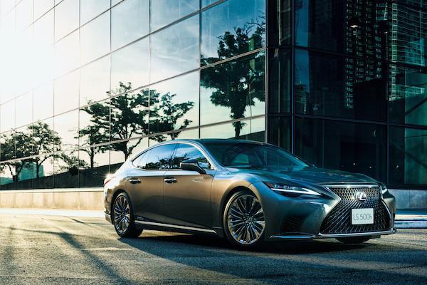 日本發表後台灣火速跟進!Lexus LS 小改款動力與油耗表現曝光
