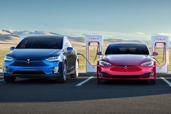 外媒引述知情人士爆料,Tesla 主力兩車型都將大改款!
