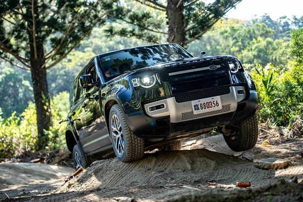 驍勇善戰的越野能者,新一代 Land Rover Defender 試駕報告!