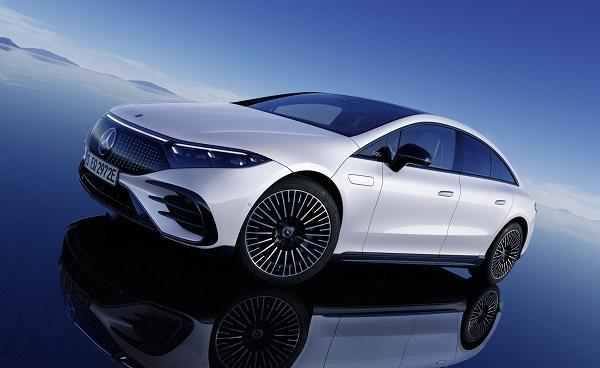 前所未見的科技座艙!首款 EVA  平台新車 M.Benz EQS 發表〈內有相片集〉