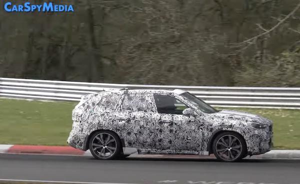 重度偽裝 BMW X1 大改款在紐柏林賽道測試中!最快明年初發表(影片)